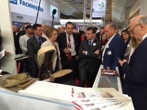"""Lancement de """"Créative Industry"""" par le Ministre de l'Économie, de l'Industrie et du Numérique, E. Macron."""